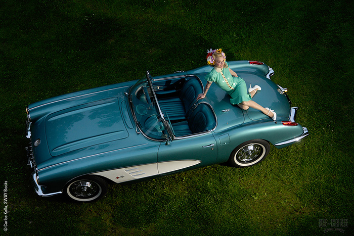 1960_Chevrolet-Corvette-Roadster
