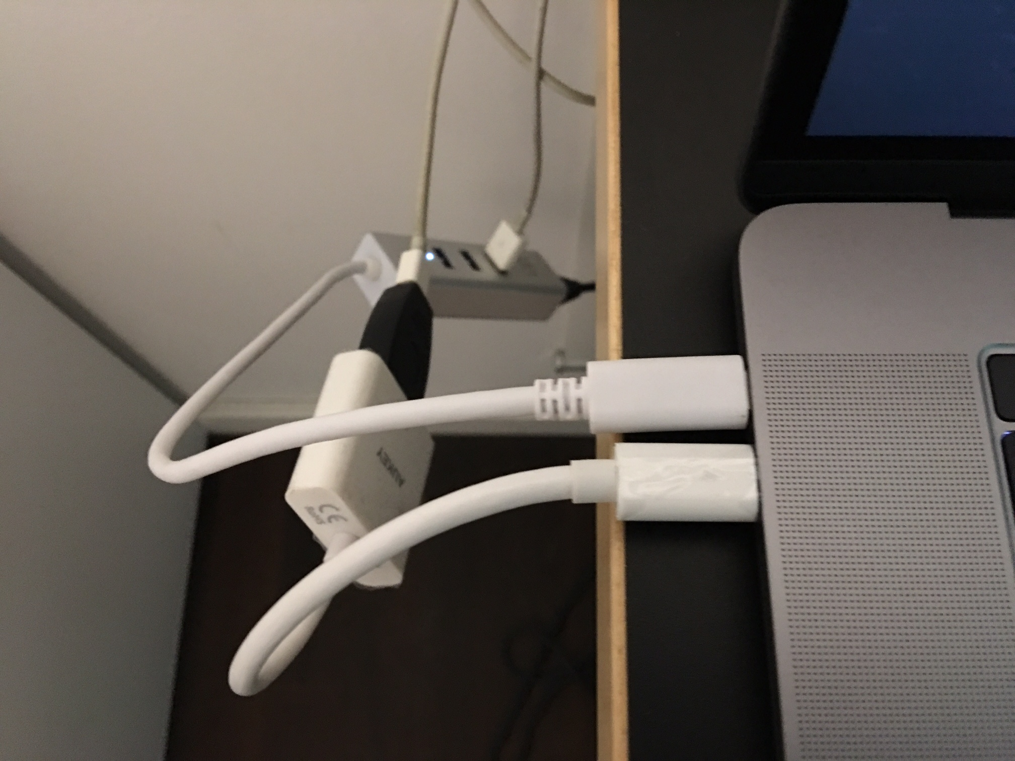 Apple Macbook Pro Thunderbolt3 Mini-DisplayPort